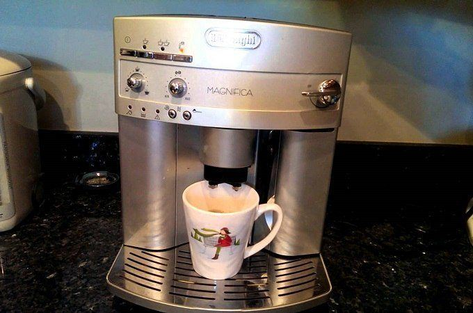 DeLonghi ESAM3300 Super-Automatic Espresso Machine Review