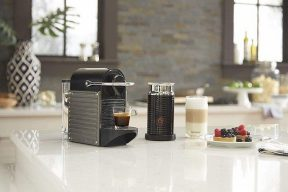 Nespresso Pixie Espresso Machine by DeLonghi Review